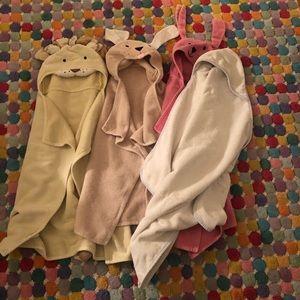 Pottery barn and Ralph Lauren baby towel bundle